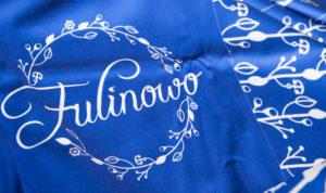 tkanina z nadrukowanym projektem logo