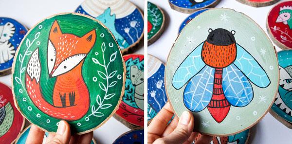 ilustracje malowane na drewnie przedstawiające zwierzęta