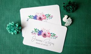 projekt wizytówki dla make up artist, logo z różami drukowane na papierze