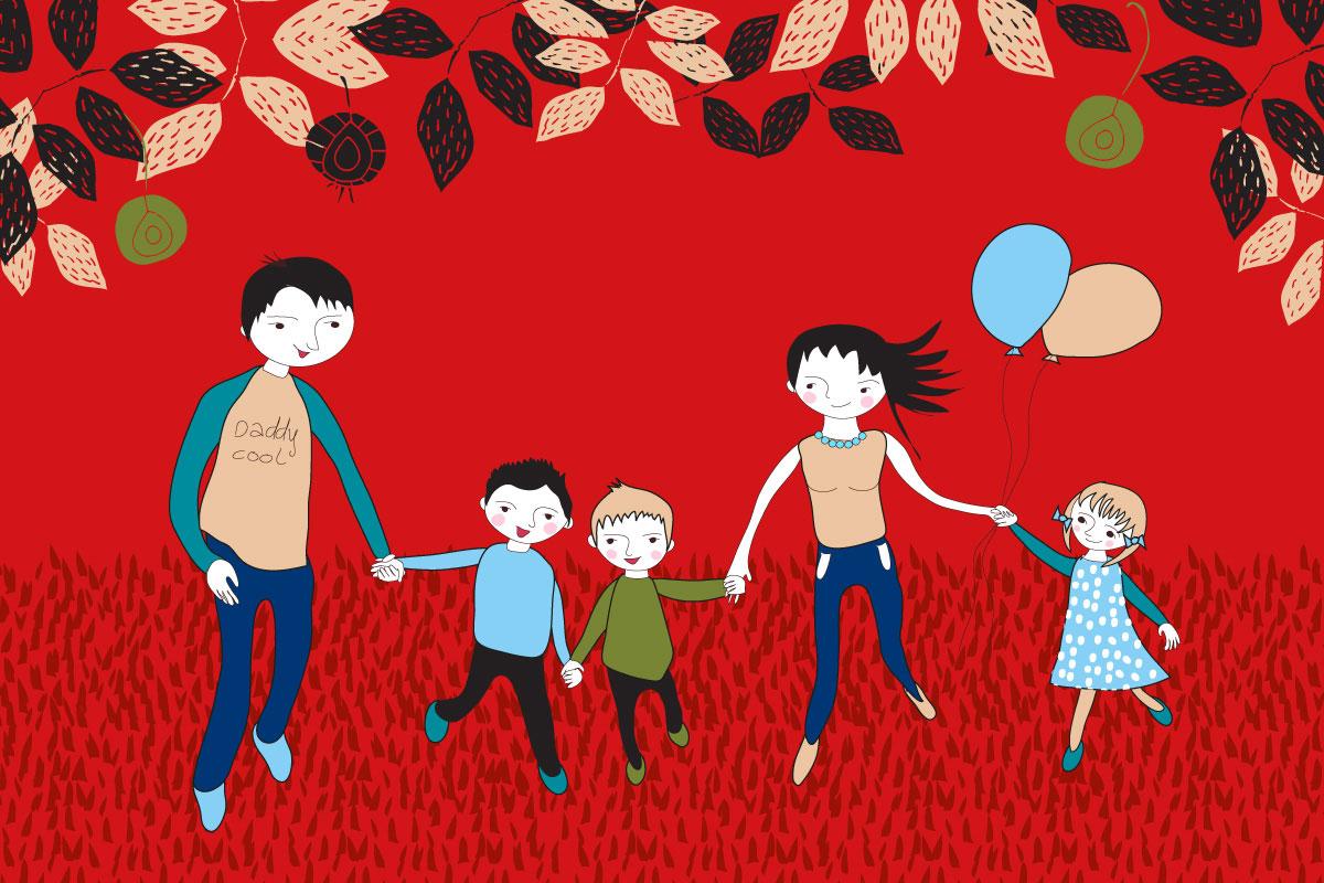 rodzina na spacerze z balonami w jesienny dzień