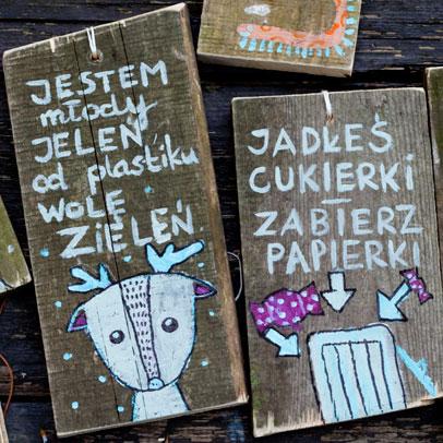 tabliczki akcja czysty las