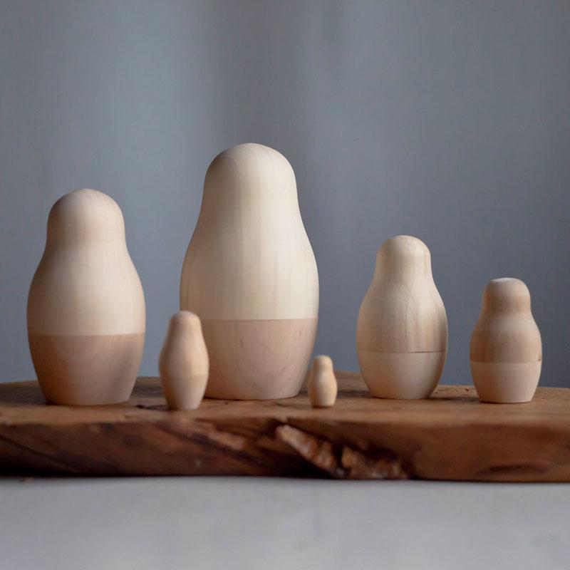 drewniane niemalowane matrioszki