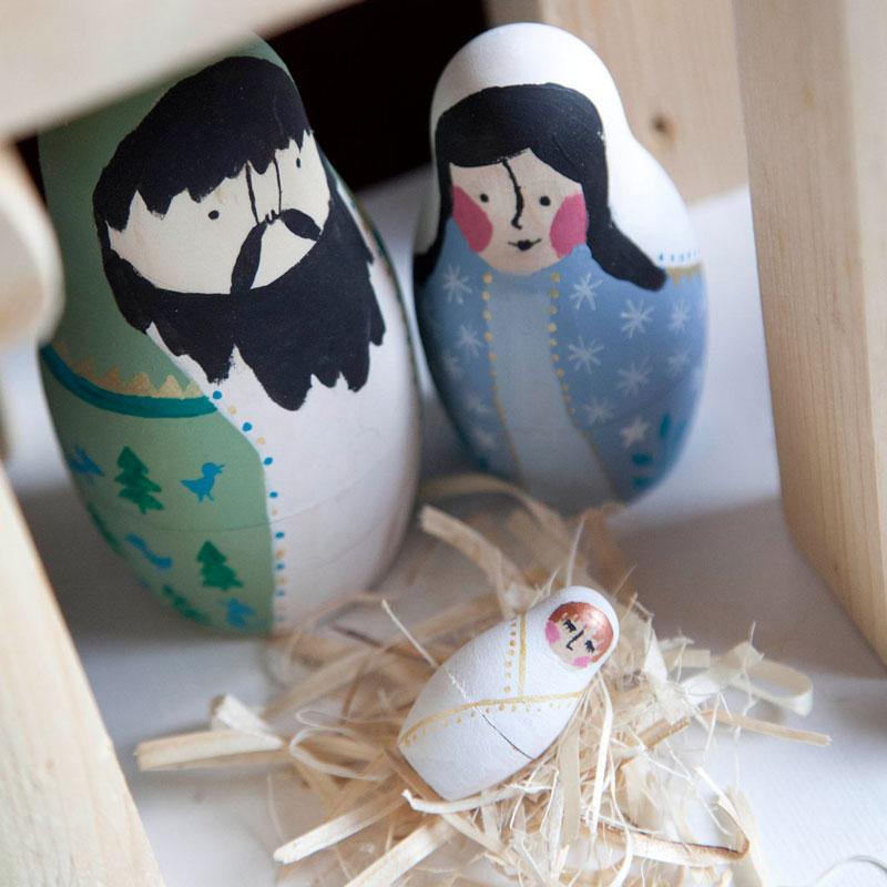 Józef i Maria oraz dzieciątko Jesus w szopca