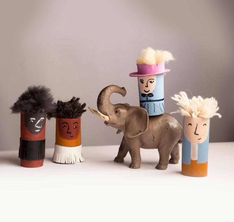 postacie z animacji kartonowej w pustyni i w puszczy