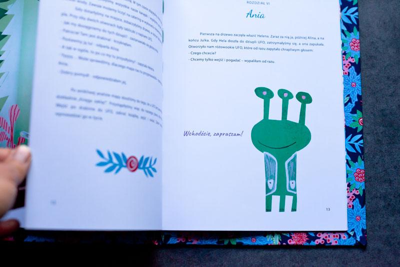 strona z książki z ilustracją i tekstem oraz ufo